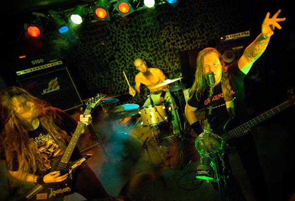 invasion_band_live-600
